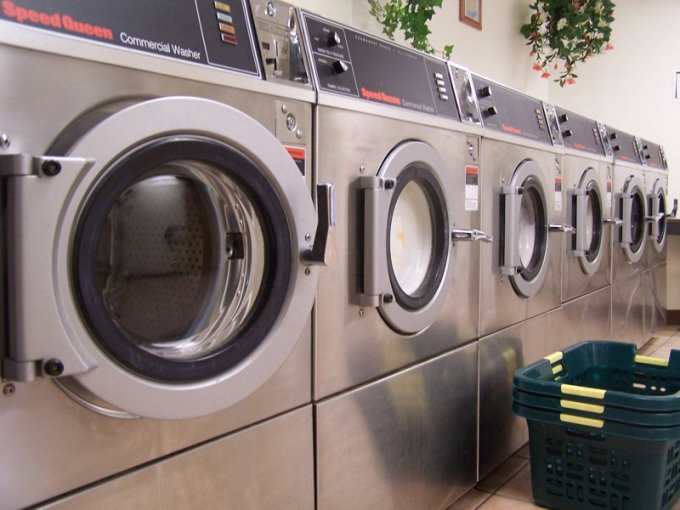 full-czy-warto-kupowac-uzywane-maszyny-pralnicze-cct